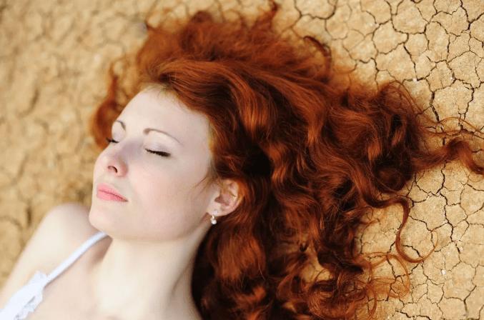 Как покрасить волосы хной в домашних условиях. Хна для волос польза.