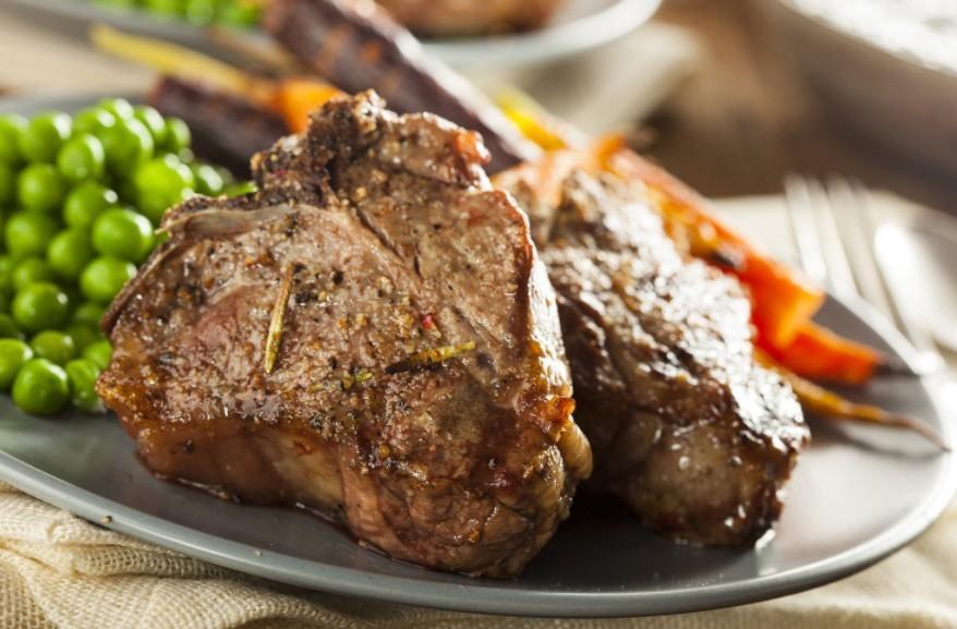 Как приготовить баранину без запаха. Как выбрать баранину. Рецепты приготовления блюд из баранины: ножка ягненка, по гречески, котлеты, шашлык.