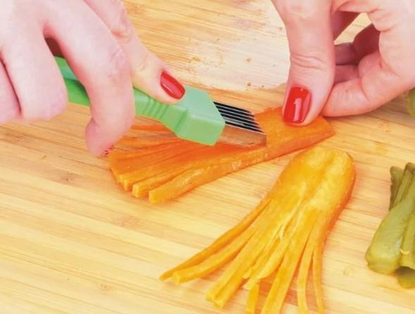 Нож для фигурной нарезки овощей