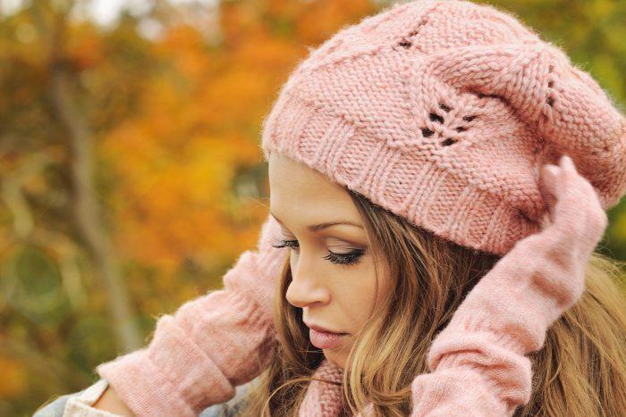 бини модная шапка связать